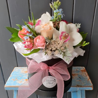 large hat box posy
