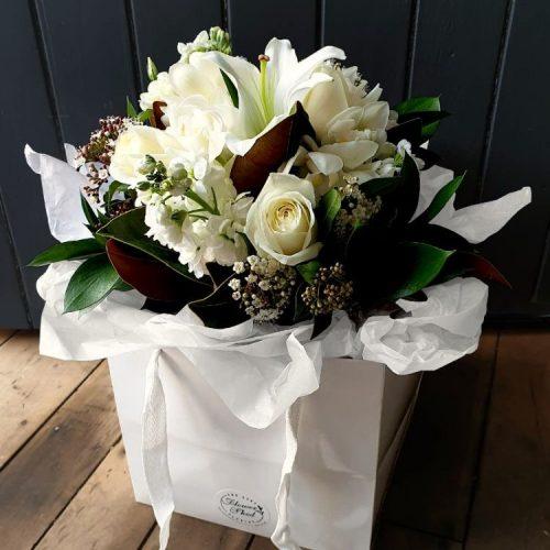 Casper all white flower posy bag